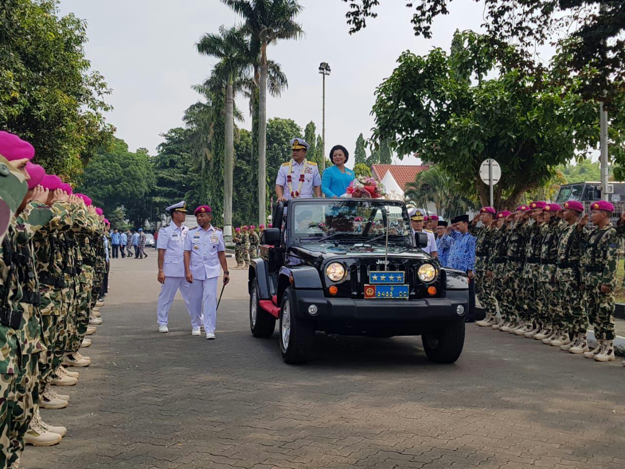 Laksamana Ade Supandi KSAL Dengan Tiga Panglima TNI