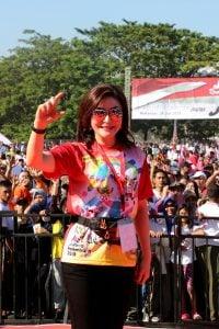 Tetty Paruntu Jalan Sehat Bersama Presiden Jokowi