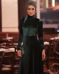 Model Cantik Fenny Steffy Burase & Irwandi Yusuf, Gubernur Aceh. Punya Hubungan Khusus?