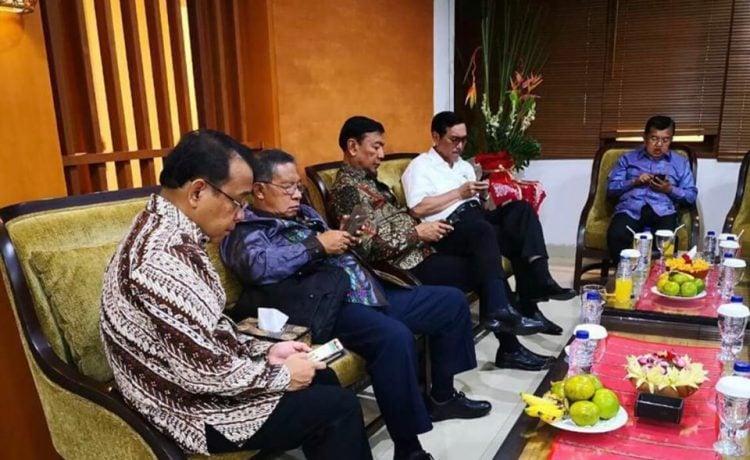 Nomophobia, Orang Yang Bermain Smartphone atau Tablet Melanda Indonesia