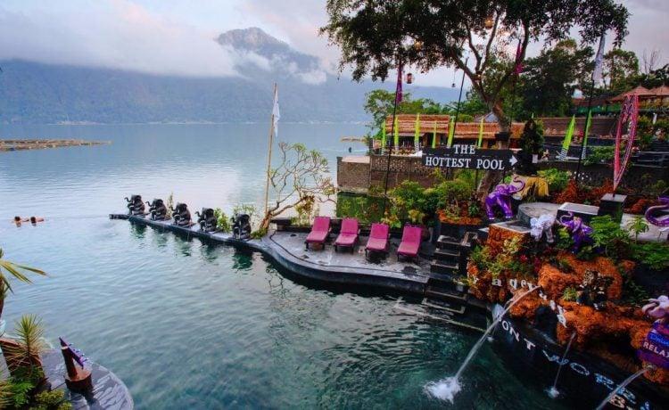 Berendam di Toya Devasya, Bali.