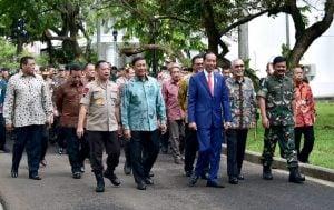 Presiden-Jokowi-Minta-TNI-Polri-Respons-Revolusi-Industri-4.0