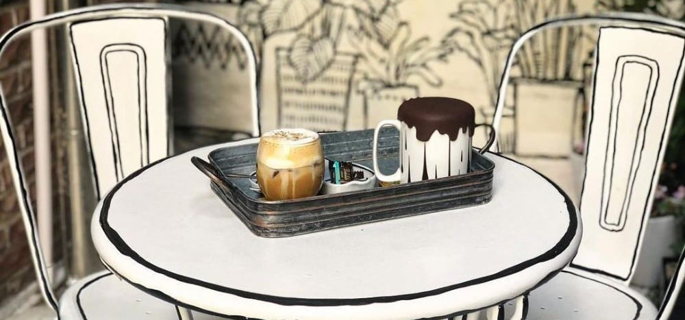 Etiket Kafe & Pub