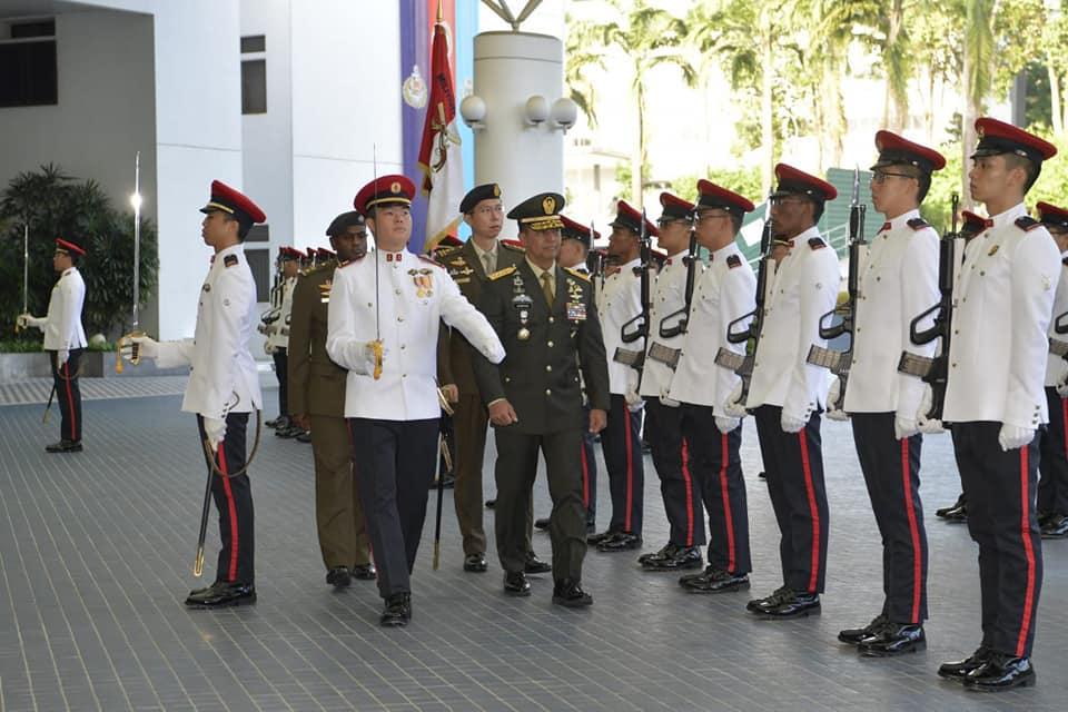 Kunjungan Kasad ke Pejabat Militer & Menhan Singapura, Pererat Kerja Sama dan Perkuat Stabilitas Kawasan