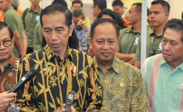 Menristekdikti Tak Responsif Pertanyaan Masyarakat, Jadi Catatan Presiden Jokowi.