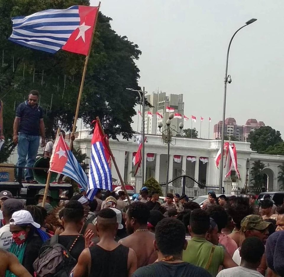 Foto TNI-Polri Menjadi Korban Demo Papua Minta Referendum, Beredar Luas