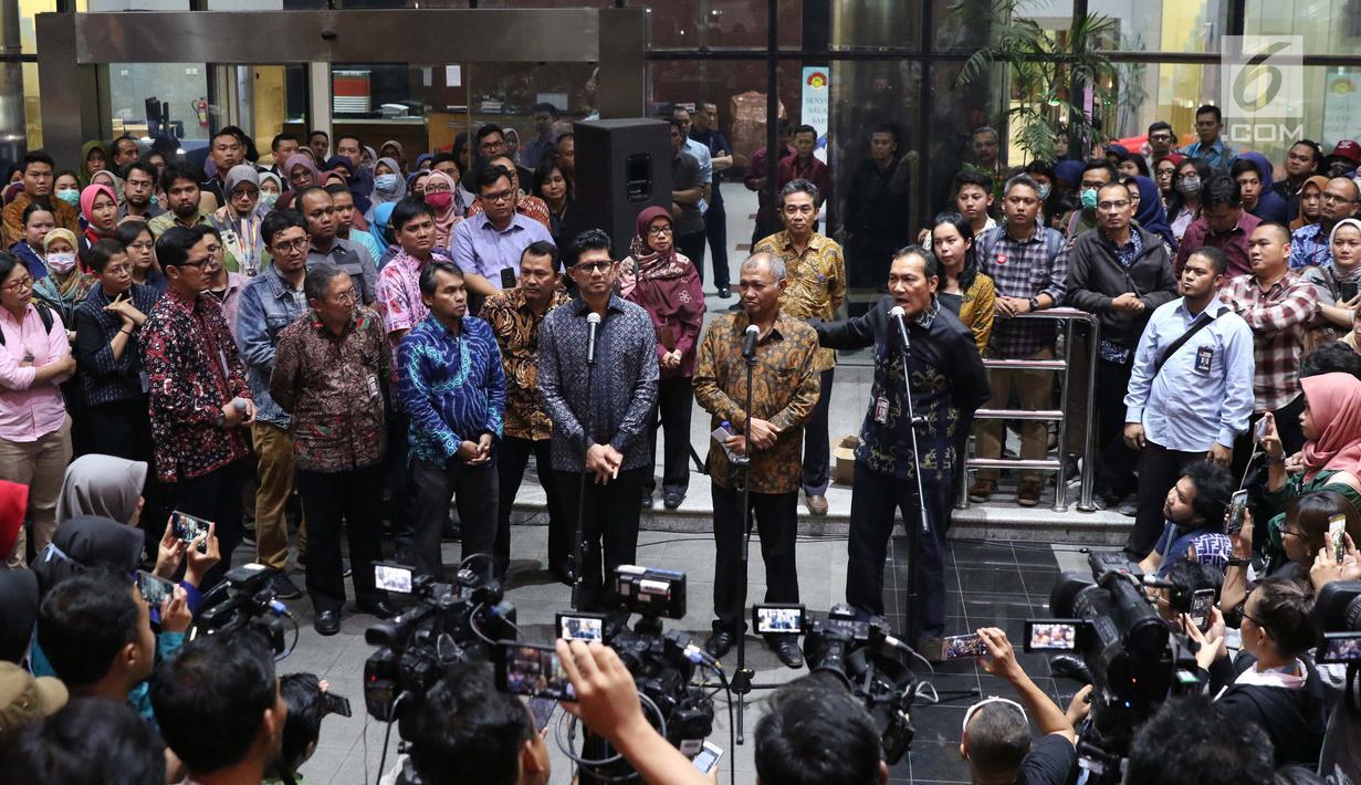 """Giliran Pegawai KPK """"Menohok"""" Kredibilitas Pemerintahan Jokowi."""