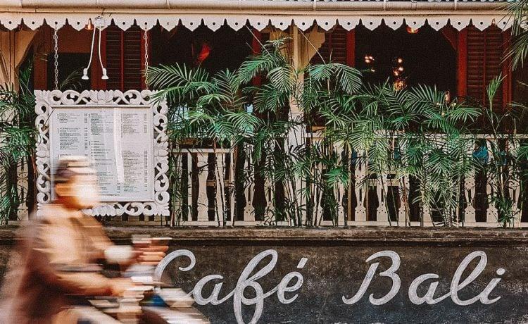 Café Bali Seminyak – Perpaduan Unik Antara Gaya Bohemian dan Budaya Bali