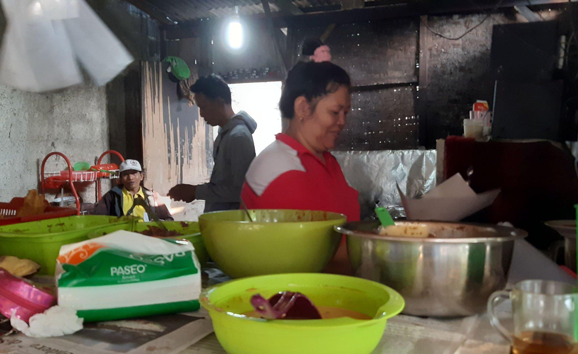 Warung Nasi Uduk di Gang Sempit Ini, Beromzet 45 Juta