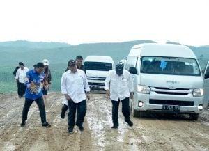 Cerita Seru dari Ibu Kota Baru: Mobil Menteri Slip di Jalanan yang Licin