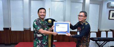 Mabes TNI AL Dapat Penghargaan Berkontribusi Dalam Pembayaran Pajak