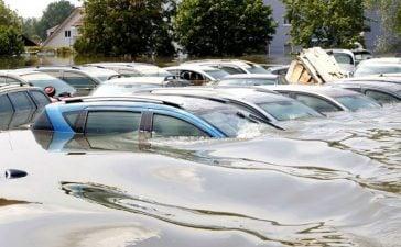 Pertolongan Pertama, Atasi Mobil Matic yang Kebanjiran