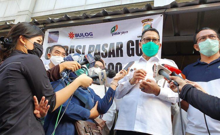 BULOG Gandeng Pedagang Pasar Pastikan Harga Gula Sama Di Seluruh Indonesia