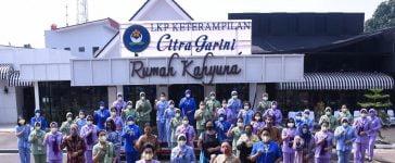 Penyerahan Masker Dharma Pertiwi Peduli