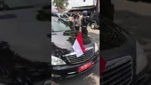 Klarifikasi Video Mobil RI 2 Mengisi Bensin Dari Jeriken