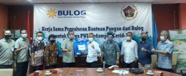Bulog Gandeng PWI Peduli Salurkan Bantuan Pangan Dampak Covid-19