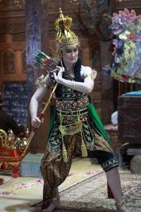 Sanggar Tari Klasik Di Dusun Pete Diinisiasi Orang Eropa Yang Njawani