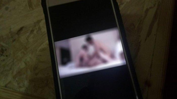 Pornografi di Gedung MK