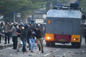 Prof Wiku: Kepolisian Yang Mengamankan Aksi Unjuk Rasa Dianjurkan Test Covid-19