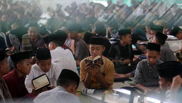 Ramadhan, Momentum Menundukkan Nafsu dan Menghidupkan Al-Qur'an
