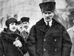 Mustafa Kemal Ataturk, Tokoh Sekuler Turki yang Berandil Meruntuhkan Khalifah Ustmani