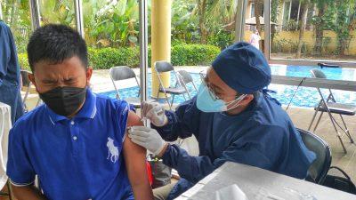 Perjuangan Anak Ini Untuk Mendapatkan Vaksin, Viral di Group WA
